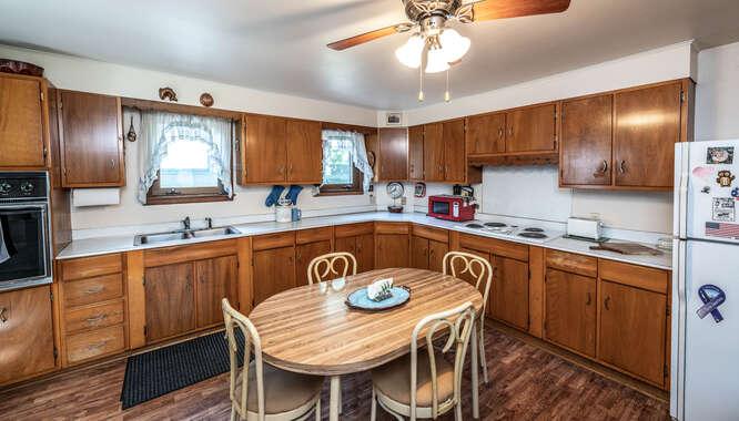 529 W 6th St Hastings -small-018-003-Kitchen-666x381-72dpi