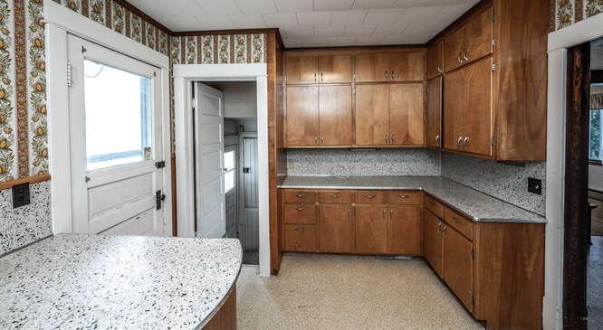 24644 Essex Ave Farmington MN-small-027-010-Kitchen-666x366-72dpi