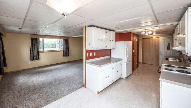 4625 280th St W Northfield MN-small-035-053-Dining Room Lower Unit-666x377-72dpi
