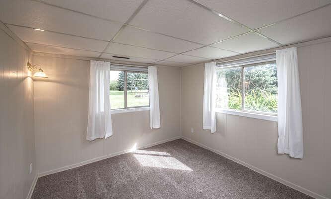 4625 280th St W Northfield MN-small-041-047-Bedroom 2 Lower Unit-666x402-72dpi