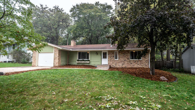 128 Pinewood Cir Apple Valley-small-001-003-Front of Home-666x378-72dpi